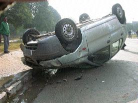 093011 car overturned